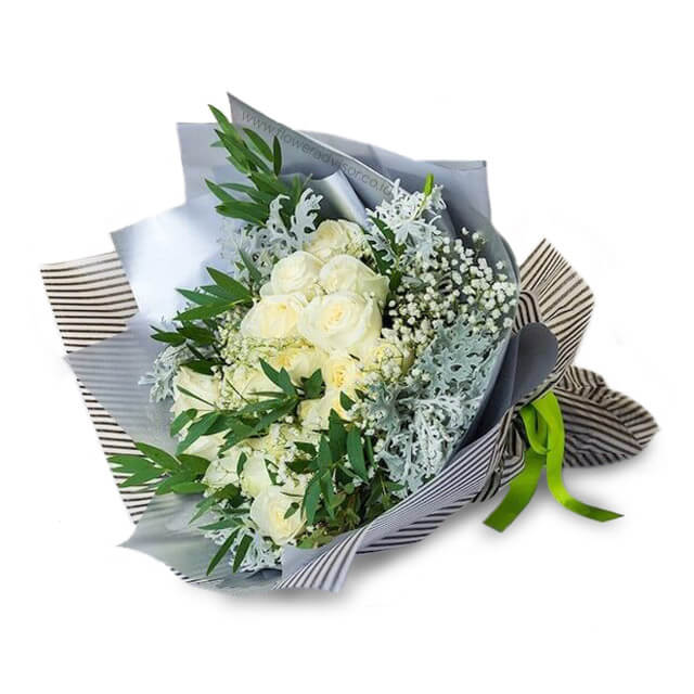 a-bouquet-of-16-white-roses-with-babys-breath-fa104111-009